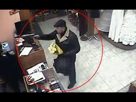 Donna con orologio onlain russo