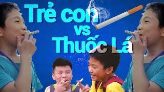 Trẻ con bắt chước người lớn hút thuốc lá | Trong Trắng 50