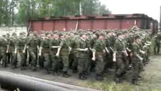 Мы ебали медведЯ! Песня в армии :)