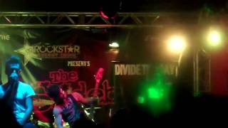 Divide The Day 'Let It Roll' Live @ The Dive