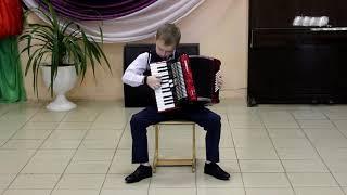 Иван Ищук исполняет р.н.п. Я на горку шла (А. Иванов) и Деревенские гулянья (Р. Бажилин)