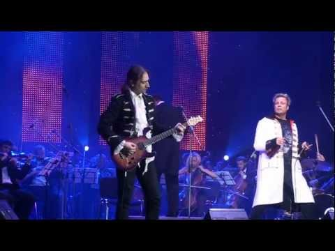MOZART ROCKS(Dan Helciug )-SANKT PETERSBURG ORCHESTRA Music Hall  24.09.2012. COMFORTABLY NUMB