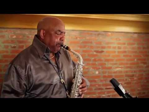 Gerald Albright - Slam Dunk online metal music video by GERALD ALBRIGHT