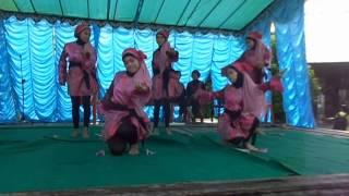 preview picture of video 'Juara I Tari SMA N2 Sambas Priode 2014 (Tari Kreasi Kipas)'