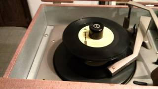 Vintage Portable Phonograph Motorola SP26R from 1961