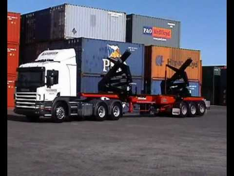 Hammar Container SideLoader in operation