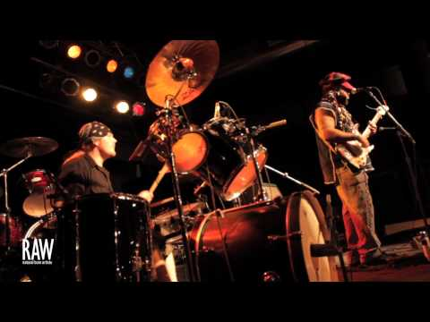 Izzy Starchild @ Des Moines RAW:Radiate 8/23/12