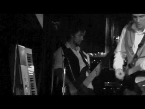 Motorcity Headrush - Halo (Live at The Chubby Pickle).m4v