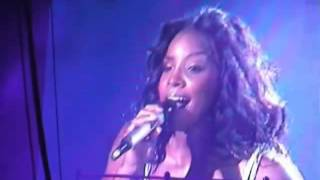 Kelly Rowland - Dilemma (Live Destiny Fulfilled World Tour 2005)