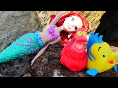 Wir packen Spielzeug aus - Arielle die Meerjungfrau - Spielspaß am Meer