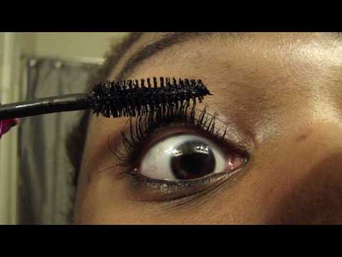 Volum' Express The Colossal Big Shot Washable Mascara by Maybelline #9