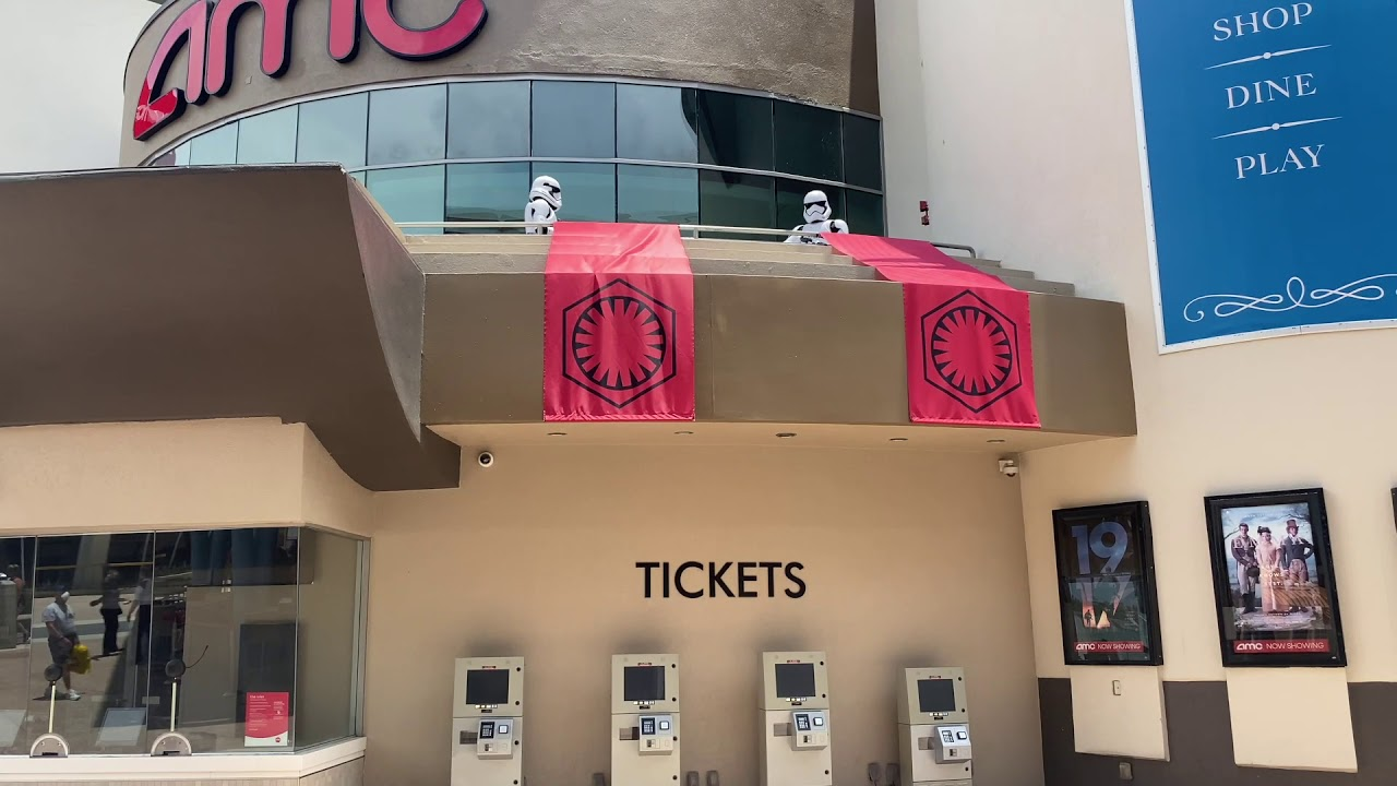 Stormtroopers enforce Social Distancing and masks at Disney Springs
