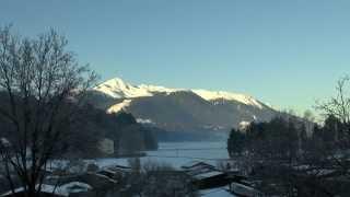 preview picture of video 'Timelaps Sonnenaufgang und Flugzeug-Kondensstreifen'