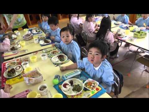 笠間 友部 ともべ幼稚園 子育て情報「みんなで給食 つぼみ・年少」