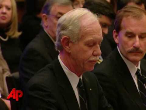 Congress Gives Hudson Plane Crew Ovation