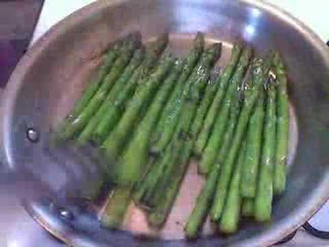 Pan-seared Asparagus with Lemon