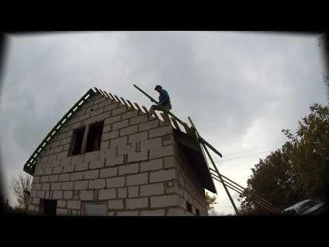 Подшивка свесов двускатной крыши