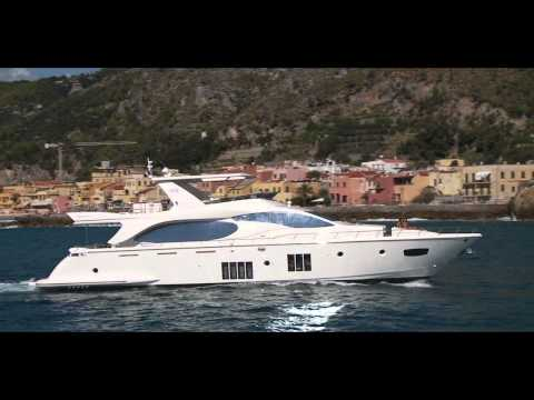 video of Azimut 88