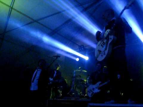 Lindefeesten - Band Zonder Banaan - Bankzitter - 22 april 2011 Sambeek