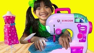 Emma Pretend Play w/ Princess Boutique & Toy Sewing Machine