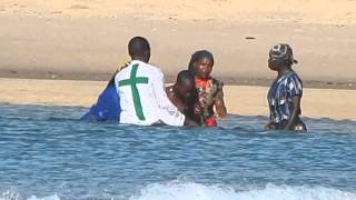 preview picture of video 'Zionists baptizing at the beach ~ Mozambique'
