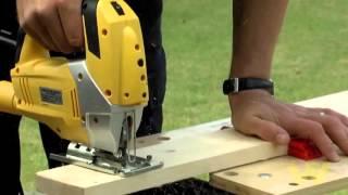 How to Use a Jigsaw