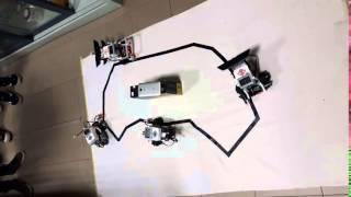 Quattro robot LEGO Minstorm EV3 che si inseguono….