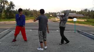 preview picture of video 'shuffle in bundaran ketupat kandangan.mp4'