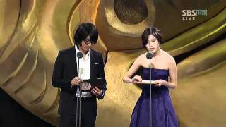 44th Annual Baeksang Arts Awards_Han Hyo Joo and Lee Jun Ki