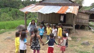 Quảng Ngãi tập trung chăm sóc sức khỏe cho trẻ em miền núi