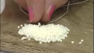 Смотреть онлайн Шикарный браслет из бусин и бисера своими руками
