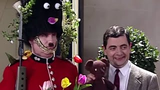 Mr. Bean | Decorating the Guard