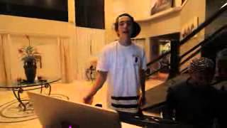 Austin Mahone Sings Places on Austream