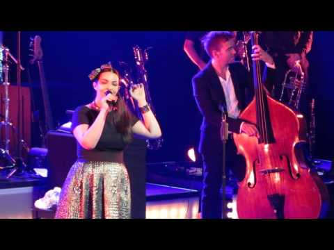 Caro Emerald - Dream A Little Dream Of Me (Heerlen, 14-11-2014)