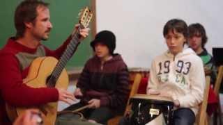 """DIVIDIDOS , """"Par Mil"""", Primavera Musical del colegio Waldorf , Clara de Asís, 2013"""