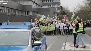 preview picture of video 'Ganztägiger Warnstreik in Wuppertal (18.03.2014)'