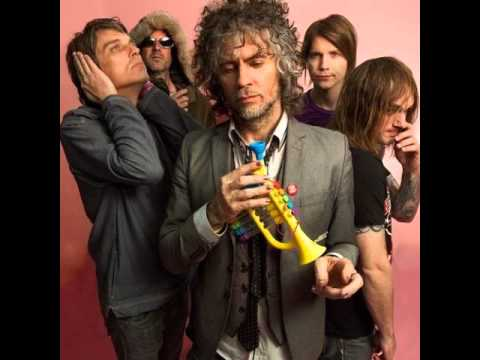 The Flaming Lips - Lucy In The Sky With Diamonds