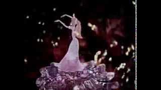 """Мультфильм """"Щелкунчик"""". """"Вальс цветов"""" из балета """"Щелкунчик"""" П. И. Чайковского"""