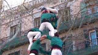 preview picture of video 'Especial Castellers de Sabadell al Poble Sec 16-3-2014 (Tota l'actuació - Full performance)'