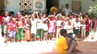 preview picture of video 'TURISMO RESPONSABILE IN MOZAMBICO - HUMANA'