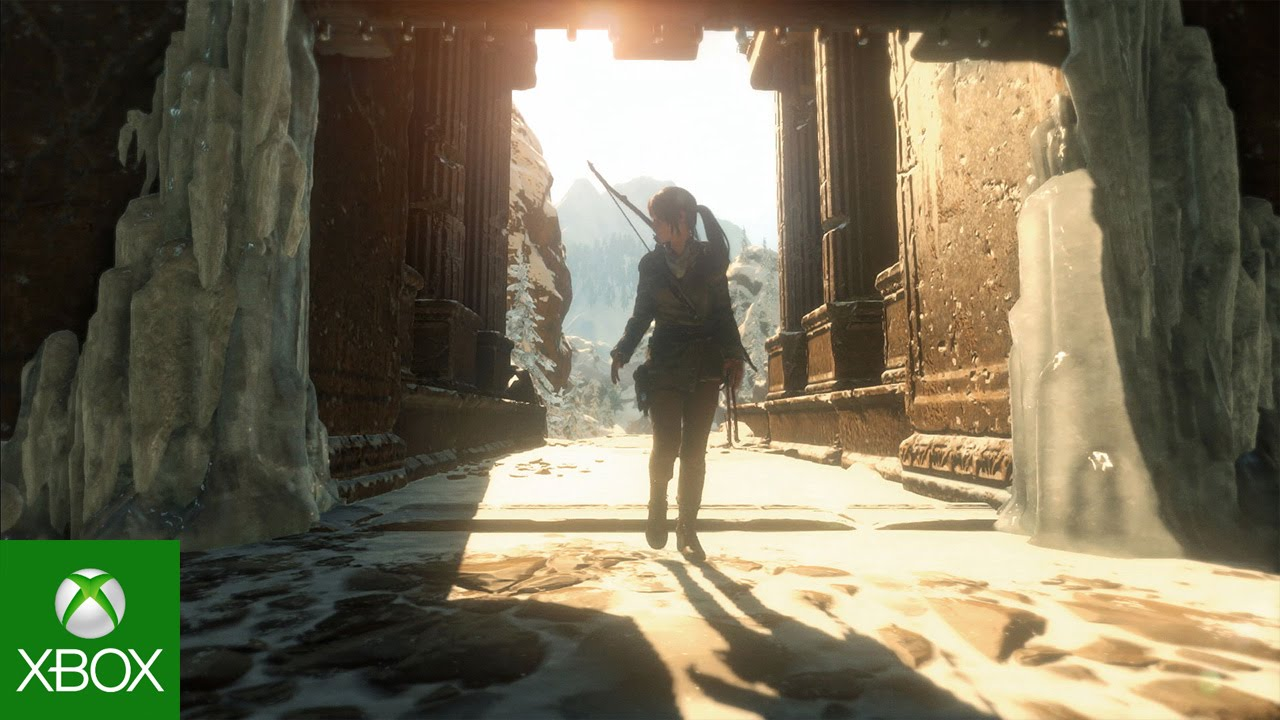 Lara entering a tomb in daylight