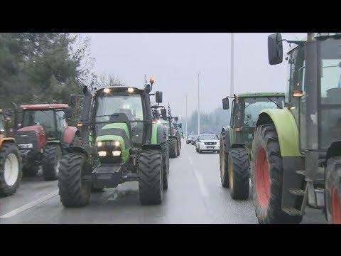 Μπλόκο αγροτών στην Εθνική Οδό προς τα Σκόπια
