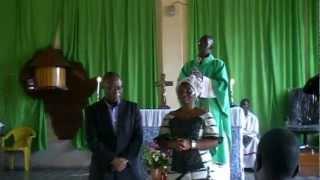 Visite du President de l'UDRP a l'Eglise Catholique de Yomou 17 Septembre 2012