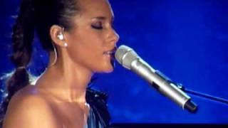 Alicia Keys  - Pray For Forgiveness - The Freedom Tour 2010