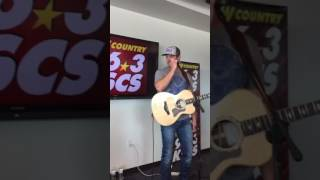 Easton Corbin- Someday When I'm Old (private KSCS show)