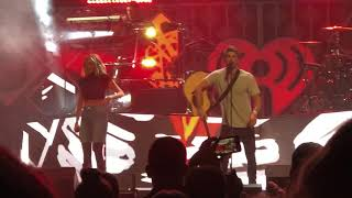 The Chainsmokers & Kelsea Ballerini - This Feeling - 2018-12-03 - KDWB Jingle Ball; St Paul