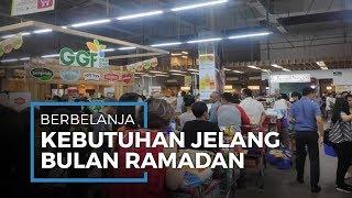 Jelang Ramadan Warga Mulai Berbelanja Kebutuhan di Tengah Pandemi Corona