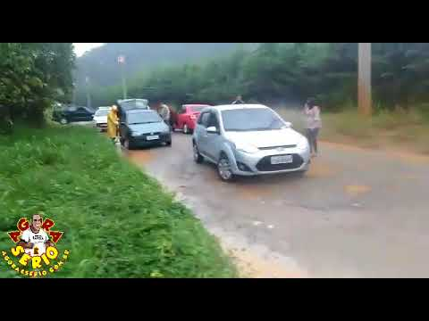 Rio Juquiá transborda e invade a Estrada da Jacuba
