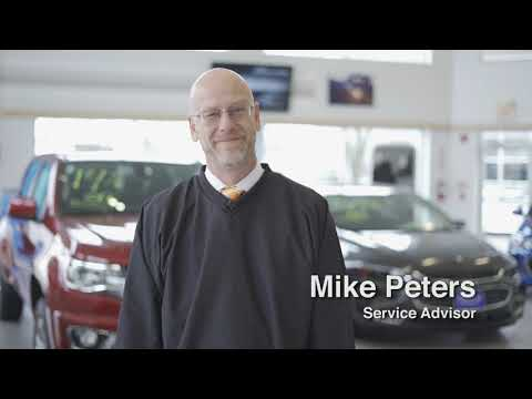 Service Advisor Mike Peters