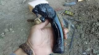 Handle /perah /gagang Golok, Motif Kepala Harimau, Baham Tanduk Kerbau Hitam.